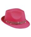 Fuchsia roze hoedje met diamantjes